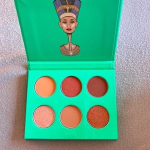Juvia's Place Nubian Eyeshadow Palette Mini